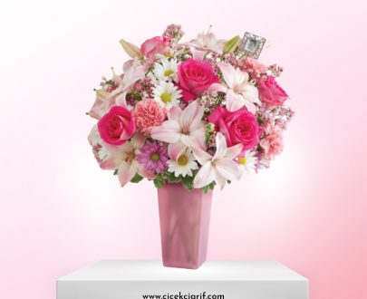 Renkli-Vazoda-Pembe-Çiçekler-Aranjman