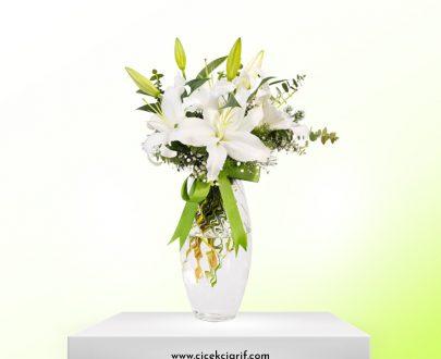 Vazoda-Beyaz-Lilyum-Aranjmanı