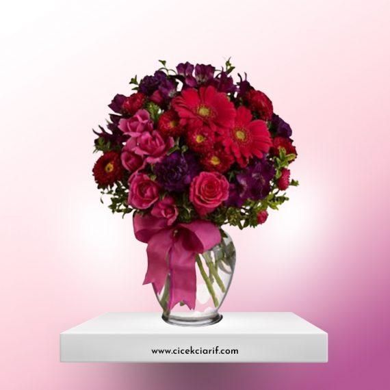 Vazoda-Renkli-Kır-Çiçekleri